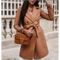 Abrigo largo de mujer...